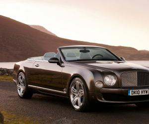 Bentley Azure photo 12