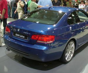 BMW 325xi photo 4
