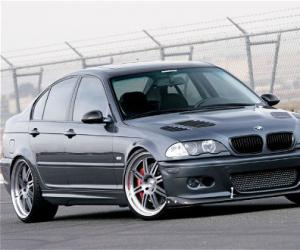 BMW 325xi photo 16