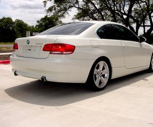 BMW 335i Coupé photo 9