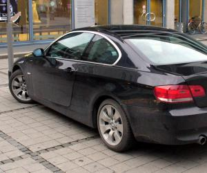 BMW 335i Coupé photo 12
