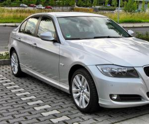 BMW 3 Series photo 5
