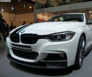 BMW 3 Series photo 10