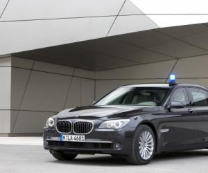 BMW 760Li High Security photo 7