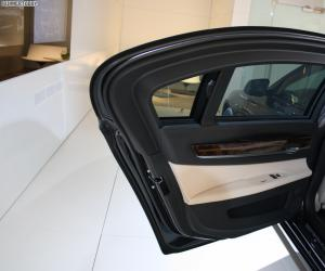 BMW 760Li High Security photo 8