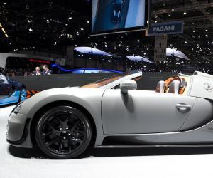 bugatti veyron grand sport vitesse photos 14 on better. Black Bedroom Furniture Sets. Home Design Ideas