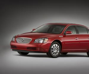 Buick Lucerne photo 3