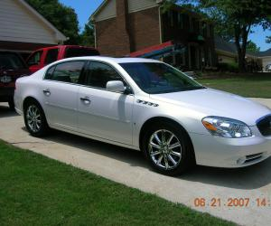 Buick Lucerne photo 6