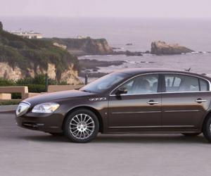 Buick Lucerne photo 8
