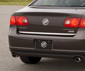 Buick Lucerne photo 11
