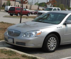 Buick Lucerne photo 14