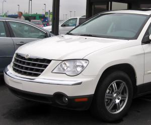 Chrysler Pacifica photo 3