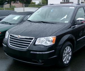 Chrysler Voyager photo 2