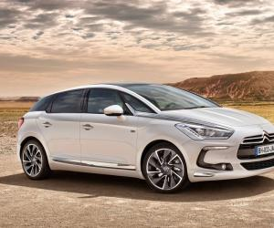 Citroen DS5 Hybrid4 photo 1