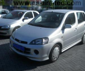 DAIHATSU YRV EDITION 25 photo 3