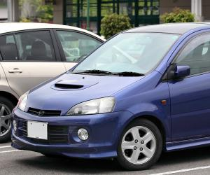 DAIHATSU YRV EDITION 25 photo 6