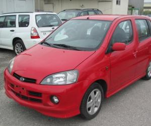 DAIHATSU YRV EDITION 25 photo 11