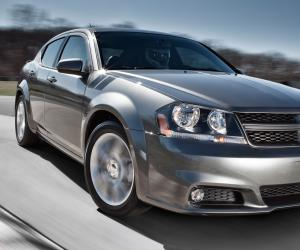 Dodge Avenger photo 14