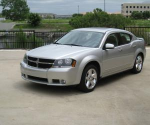 Dodge Avenger R/T photo 11