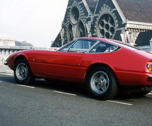 Ferrari Daytona photo 17