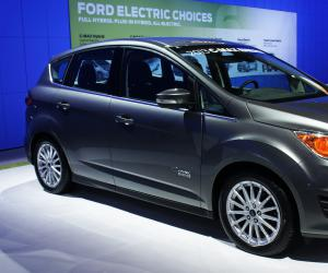 Ford C-Max photo 2