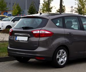 Ford C-Max photo 12