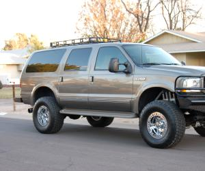 Ford Excursion photo 4