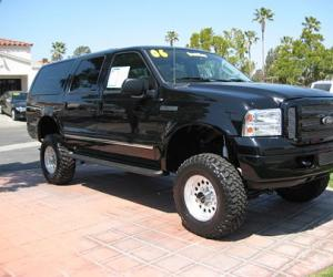 Ford Excursion photo 7