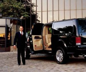 Ford Excursion photo 13