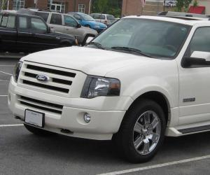 Ford Expedition photo 2