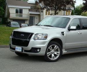 Ford Explorer Sport Trac photo 2