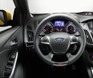 Ford Focus ST photo 5
