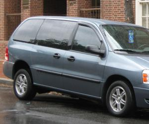 Ford Freestar photo 7