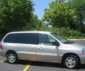 Ford Freestar photo 10