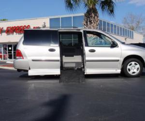 Ford Freestar photo 12