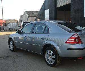 Ford Mondeo 2.0 TDCi photo 10