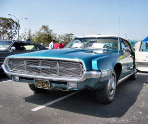 Ford Thunderbird photo 6