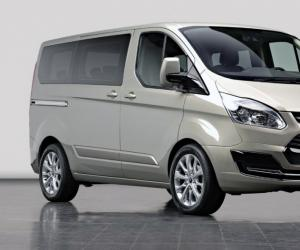 Ford Tourneo Custom photo 1