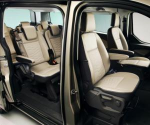 Ford Tourneo Custom image #2