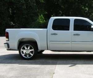 GMC Sierra photo 1