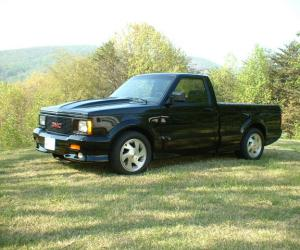 GMC Syclone photo 6