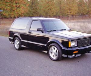 GMC Typhoon photo 3