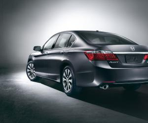 Honda Accord photo 2