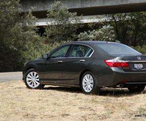 Honda Accord photo 11