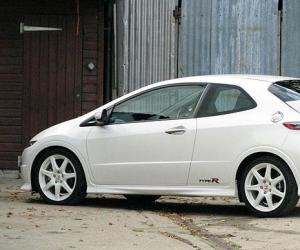 Honda Civic GT photo 2