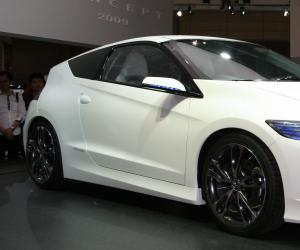 Honda CR-Z photo 2