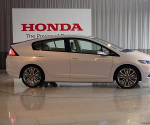 Honda Insight photo 9