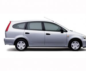 Honda Stream photo 3