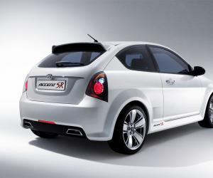 Hyundai Accent photo 1