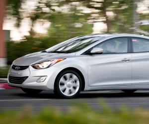 Hyundai Elantra photo 10